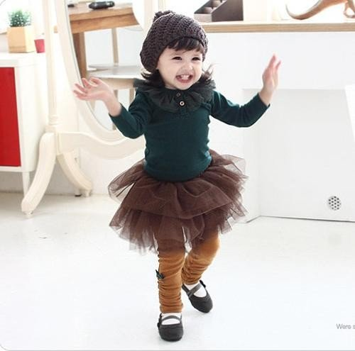 Cách phối chân váy xòe thật xinh cho bé gái