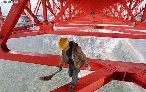 Công việc không dành cho những người sợ độ cao