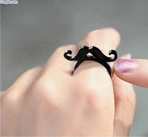 Nhẫn mustache