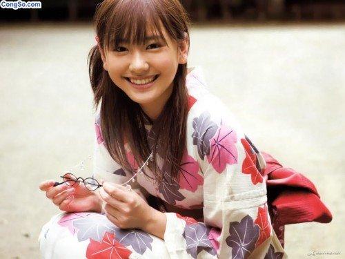 Yui Aragaki vai Ayukawa Wakaba